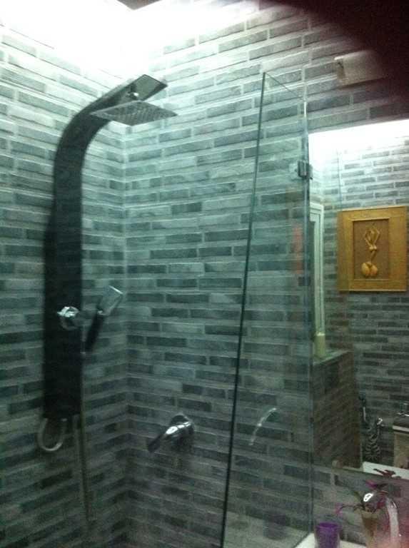 Дизайн ванной комнаты с мраморной плиткой